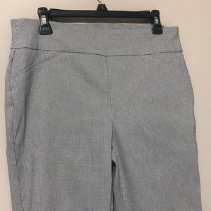 Woman dress pant / size 12 / tummy control